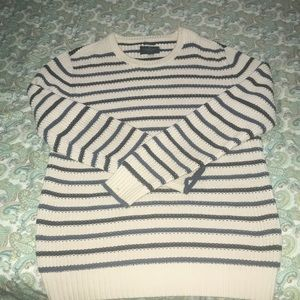 American Eagle outfitters men's crewneck sweater